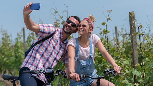 Photo of couple at winery in Niagara-on-the-Lake